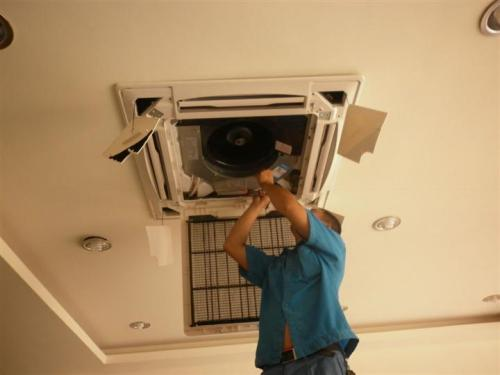 志高中央空调制热就关机是怎么回事?